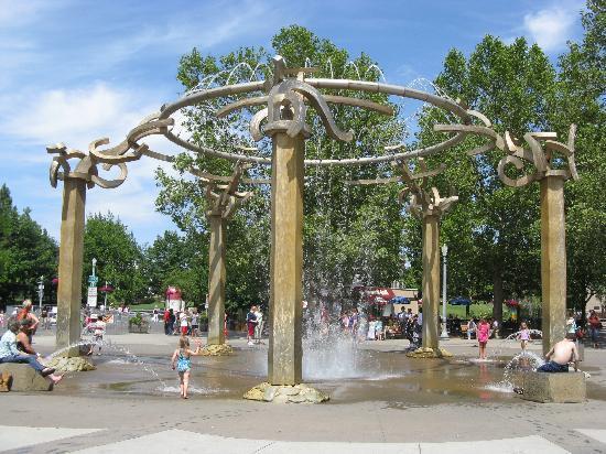 fountain-at-riverfront.jpg